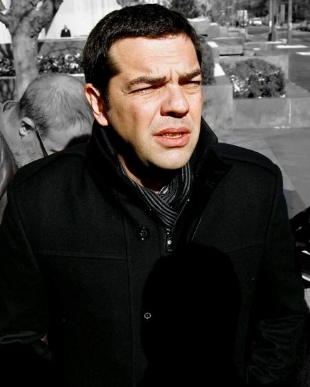Ο άνθρωπος που έρχεται απ'το κρύο: πριν δυό χρόνια ακριβώς, στη Γουάσινγκτον όταν έδινε τα διαπισετυτήρια του σ'αυτούς που τον  όρισαν σαν διάδοχο του Γιώργου Παπανδρέου και νέο άνθρωπο τους στην Αθήνα